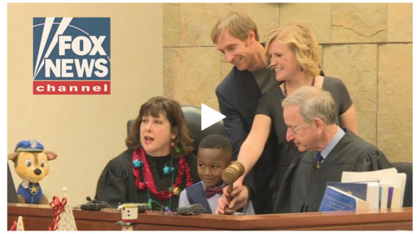 foxnews 10.02.27 AM 600x335 - FoxNews: Michigan boy's entire kindergarten class shows up to adoption hearing: 'Too cute!'